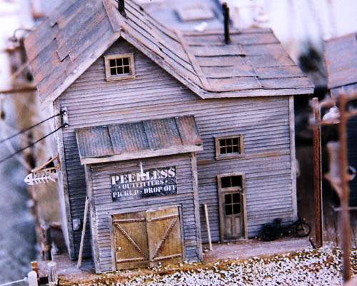Ho Scale Kit Waterfront Series Peerless Wharf Oufitters