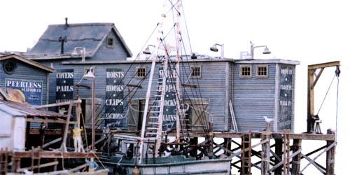 Ho Scale Kit Waterfront Series Peerless Wharf Oufitters